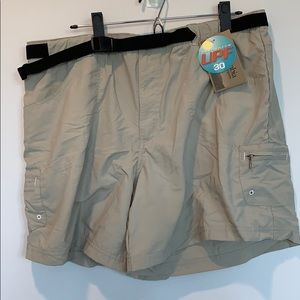 NWT khaki Columbia women's shorts xl